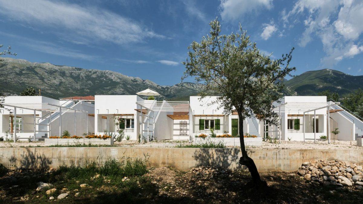 Nagrada Salona arhitekture otišla birou AKVS za Letnje kuće u Kotoru