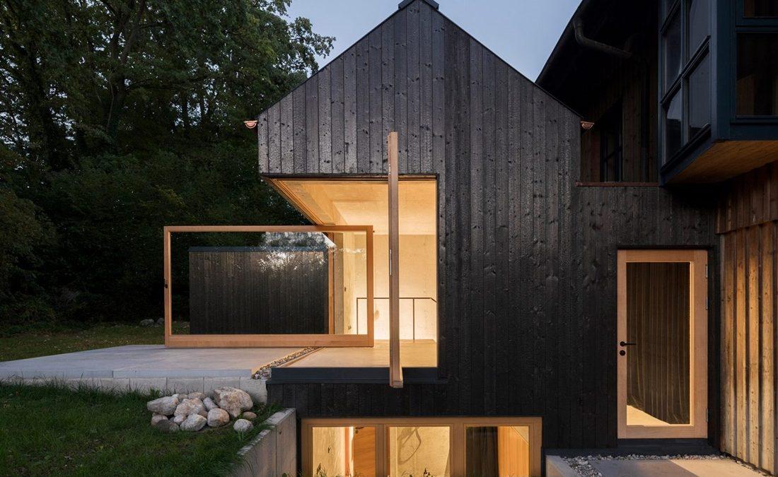 Ova crna kuća poigrava se ustaljenim principima projektovanja