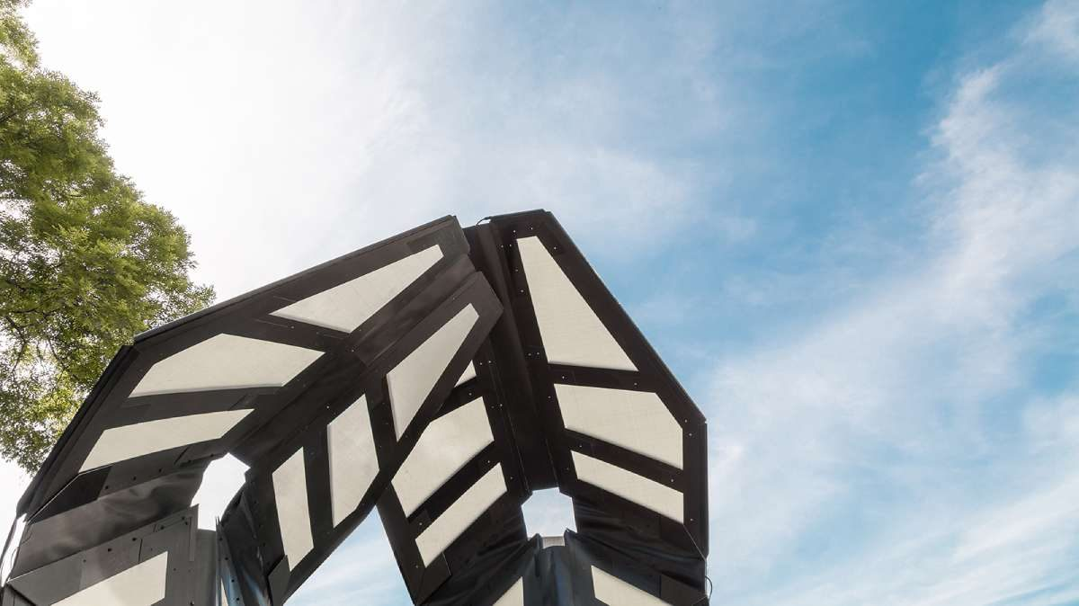 Pokretni paviljon inspirisan krilima bubamare