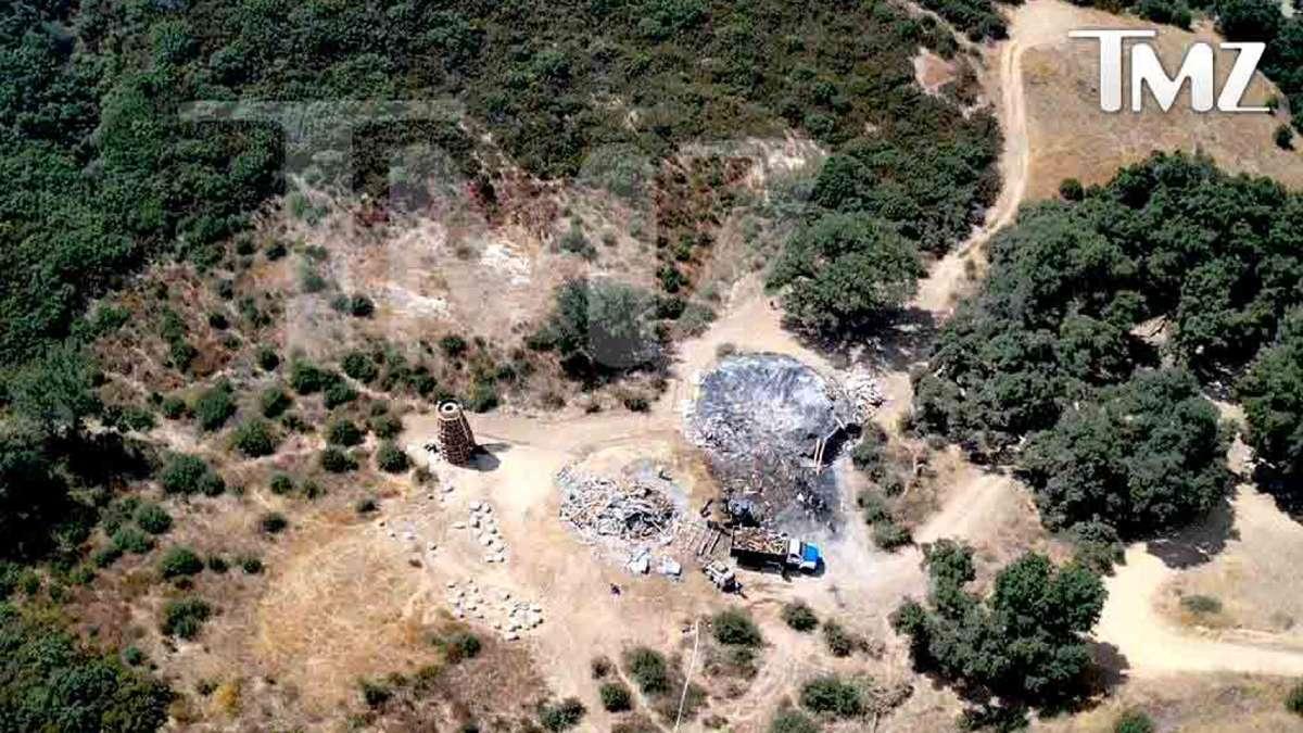 Objekti Kanje Vesta srušeni jer nije uspeo da dobije građevinsku dozvolu