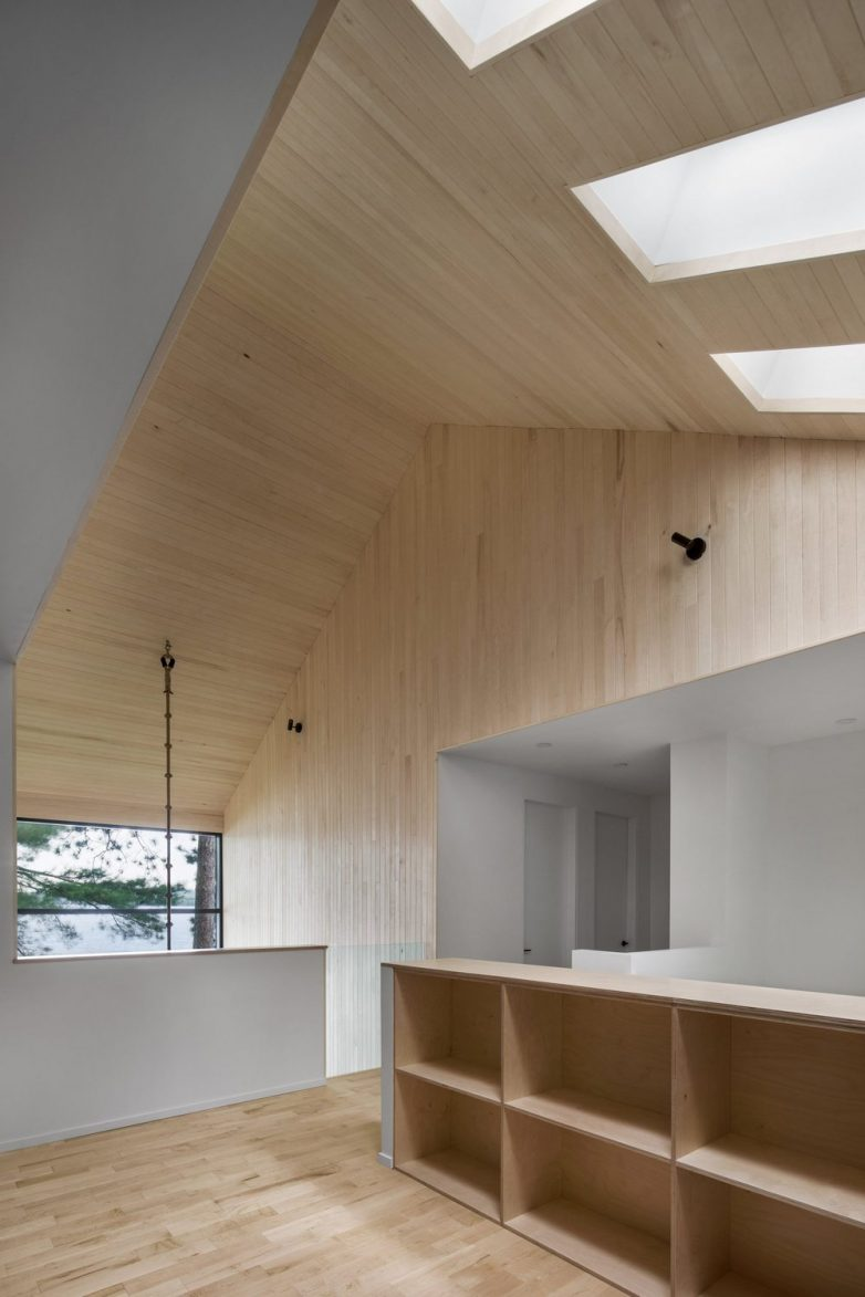 Tri krovna prozora za više svetla; Foto: Adrien Williams