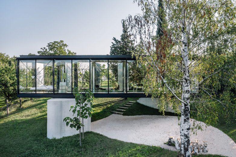 Prozori su od aluminijumske stolarije; Foto: Miloš Martinović