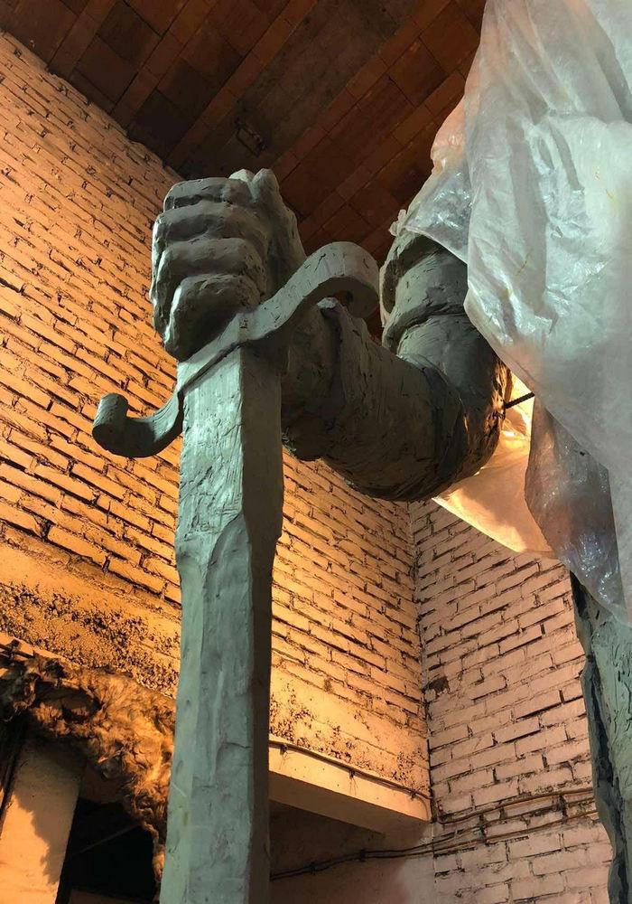 Mač koji despot drži u ruci odlično je osmišljen; Foto: Tanjug