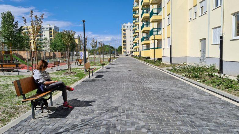 U završenom bloku već su postavljene klupe; Foto: Gradnja.rs