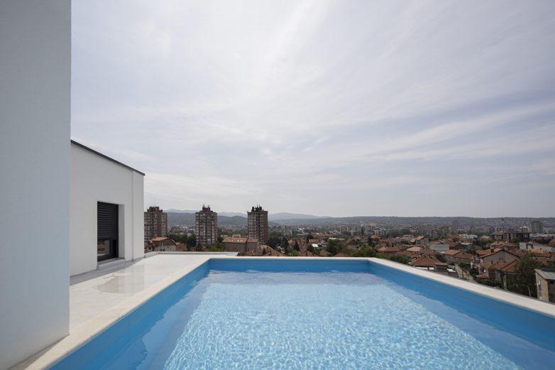 Na svakoj krovnoj terasi nalazi se bazen, zelenilo i prateći sadržaj; Foto: Mladen Jovanović