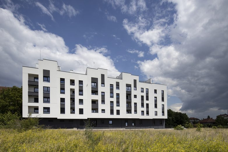 Zgrada ima pet etaža sa 28 stanova; Foto: Mladen Jovanović